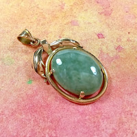 Vintage 14k Jade Necklace Pendant Green Jade Jadeite Solid 14k Yellow Gold Oval Stone Pendant Lovely Spring Green Very Good Condition