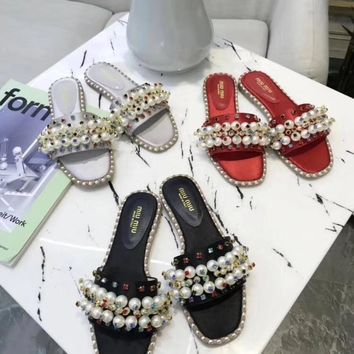 """Miumiu"" classic spring and summer new pearl slippers"