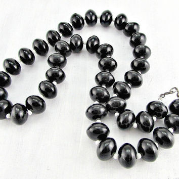 Vintage MOD Beaded Necklace, Black and White Bead Necklace, Chunky Lucite Bead Necklace, Statement Necklace, 1960s Vintage Costume Jewelry