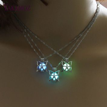 Cutest Butterfly Necklace Glow in the Dark 3 Colors Luminous Jewelry Charm Choker Vintage Pendants & Necklaces Women Best Gift
