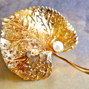 Christian Dior Germany Brooch Pin Gold Plated Leaf Pearl Vintage