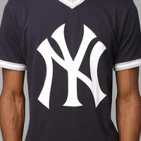 Urban Outfitters - New York Yankees V-Neck Tee