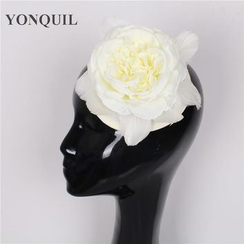 High quality 17 colors ivory silk flower fascinator with feather sinamay fascinators hats women wedding headwear occasion hats