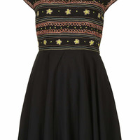 FOLK EMBROIDERED FLIPPY DRESS