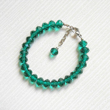 Green bracelet, friendship bracelet, green friendship, green gift, green crystal, green beads, beaded bracelet, gift ideas, birthday gift