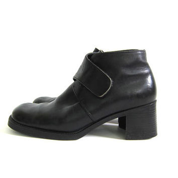 90s black leather ankle boots. granny boots. women's shoes size 7