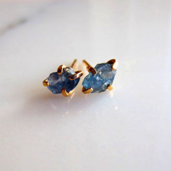 Raw Sapphire Earrings Raw Stone Earrings Gold Sapphire Earrings Natural Blue Sapphire Earrings Rough Stone Sapphire Earrings Blue Sapphire
