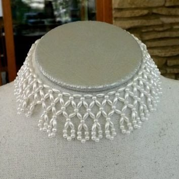 """Vtg White Faux Pearl Beaded Choker Collar Necklace Child Size Doll 11"""" Around"""