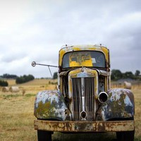 Rustic Yellow Car Outdoor Hay Backdrop - 6263