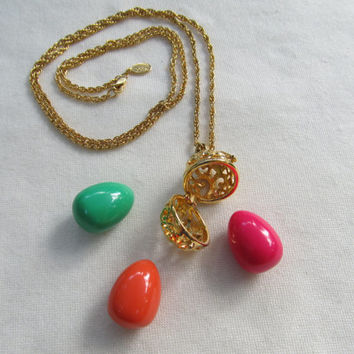 JOAN RIVERS Interchangeable Egg Necklace with Extra Eggs