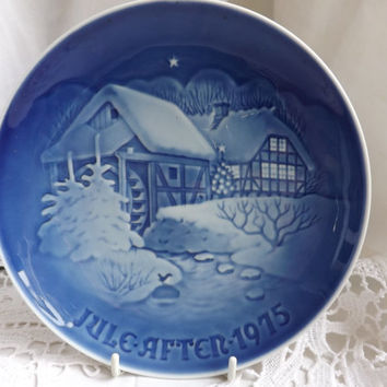 Christmas Plate 1975, Denmark Porcelain, Bing & Grondahl Collectors Plate, Holiday Wall Decor, Christmas at the Old Water Mill