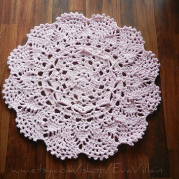 Small Crochet Doily Rug, Light Pink rug- soft pink- Lace- area rug - Round Rug, Cottage Chic- French Country- shabby rug rustic- floor mat