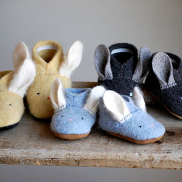 Wooly Baby Thumpers - Bunny Shoes for Baby, Made to Order, size 0-12, 6-18, 12-24 months
