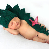 Baby Infant Newborn  dinosaur dragon crocodile aligator green hat. Halloween costumes READY TO SHIP Year of dragon-2012.  Photo Prop