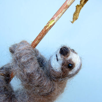 Sloth soft sculpture, needle felted sloth, posable sloth, exotic animal, nodsu