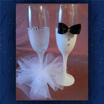 Bride and Groom | decorated glasses - his and hers glasses  - glitter glass - mini tutu glass