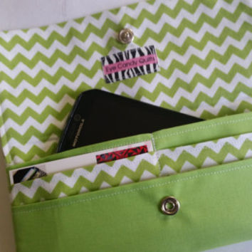 NEW! Chevron Print Wallets for Women,  Phone Wallets, Chevron wallets, Mobile Accessories - Samsung Galaxy S5 or other