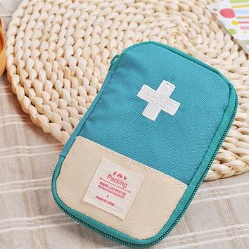 Emergency Survival Kit Wrap Gear Bag red blue green Small Medicine Kit Outdoor first aid box Medical Military To Pill Case Box