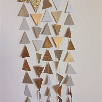 Gold Silver White Triangle Garland. Geometric Garland. Paper Backdrop. Baby Shower. Birthday Garland. Wedding Garland. Photo Prop. Tribal