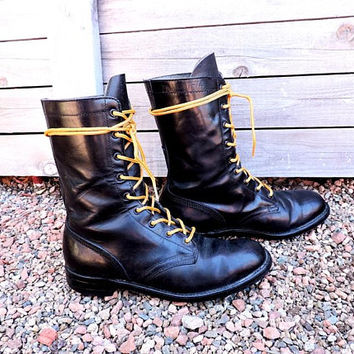 Vintage 70s Vulcan boots / Womens 7 / black leather steel toed boots / vintage combat boots / cap toe military boots