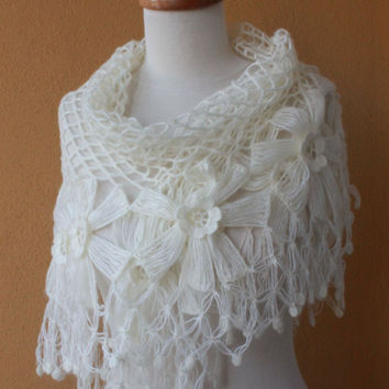 Shawl Wedding Ivory Shawl Crochet Shawl TRIANGLE by filofashion