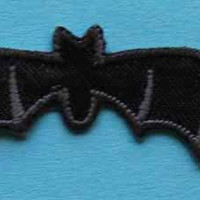ID 0932 Bat Halloween Trick Treat Iron On Applique Patch Lot Of 4