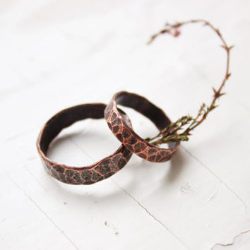 Couple rings. couple copper rings. rings set. his and hers rings. his and hers rustic rings. textured rings. hammered copper ring