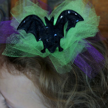 "FALL SALE  large Halloween hair clip, purple and neon green tulle bow, large black bat, 6""  tulle Halloween clip"