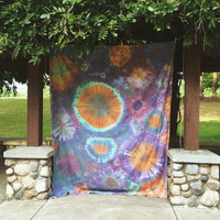 Tie Dye Bubble Tapestry