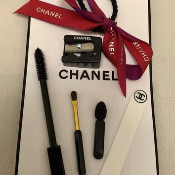 CHANEL ACCESSORIES MINI MAKE UP BRUSH SHARPENER GIFT BAG SET BRAND NEW