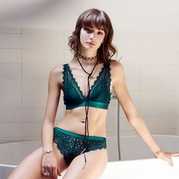 Sexy underwear  Luxury  Bra Panty Women floral Underwear Set Small Girls Lingerie  Black Green