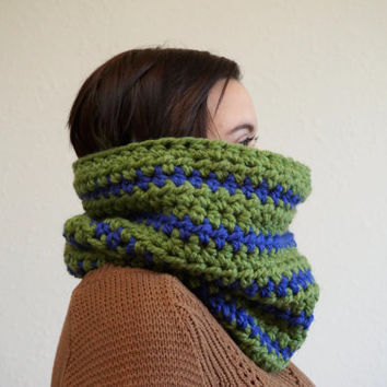 striped cowl, wool scarf, striped scarf, chunky cowl, green scarf, crochet cowl, unisex scarf / THE ZARI / Grass & Cobalt / Ready to Ship!