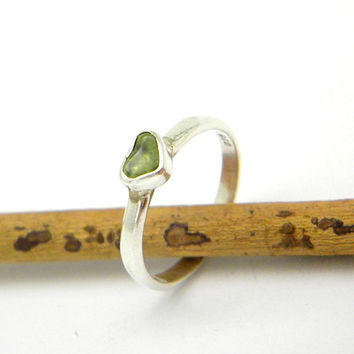 Peridot rough gemstone ring sterling silver raw green stone stacking petite size 6 August birthstone jewelry