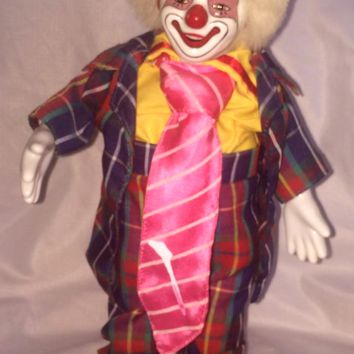 "13"" MUSICAL VINTAGE PORCELAIN CLOWN HOBO DOLL PLAYS MOVES ITS A SMALL WORLD"