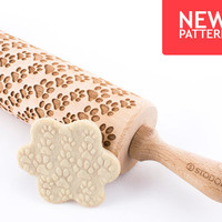 Dogs paws - Embossed, engraved rolling pin for cookies