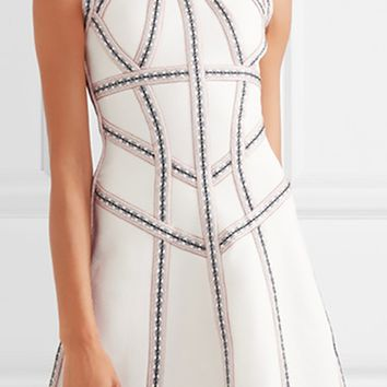 Sculpture Gardens White Sleeveless Crew Neck Cut Out Contrast Stitch Bandage Skater Flare Mini Dress