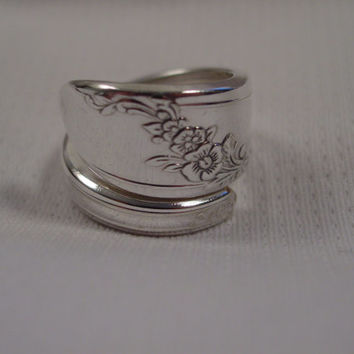 A Pretty Queen Bess Spoon Ring Wrap Size 7 1/2 Handmade Spoon and Fork Jewelry t137
