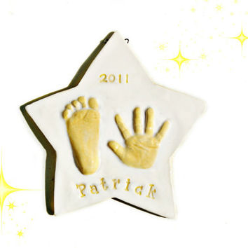 Baby hand print gift in Ceramic pop out in Star Shape, Wall Decor, Nursery Room