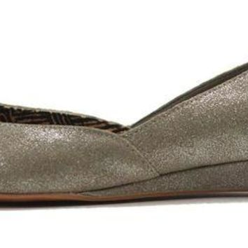 LMFH3W Seychelles for Women: Skip a Beat Silver Metallic Flat