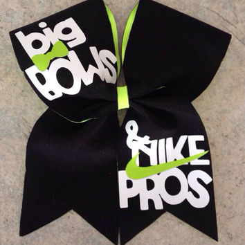 Big bows & Nike pros cheer bow