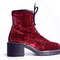 90's Grunge Red Crushed Velvet Vintage Lace Up Ankle Boots // 8