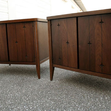Vintage Broyhill Premier Saga Walnut Nightstands | Furnish Me Vintage