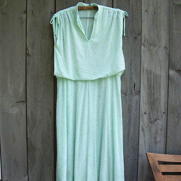 Vintage dress - Seafoam green sleeveless 1970s secretary dress