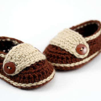 Crochet Baby Loafers // Brown and Tan // Newborn Baby Shoes