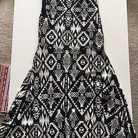 PINK by Victoria's Secret Black and White Open Back Aztec Skater Dress Size Smal