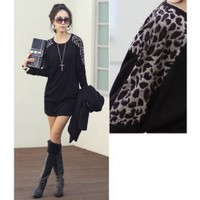 New Arrival Leopard Embellish Round Collar and Long Sleeve T-shirt
