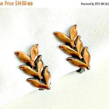 SALE Vintage Renoir Copper Earrings, 1950s Leaf  Earrings, Renoir Clip On Earrings.