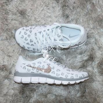 NEW print NIKE run free 5.0 v4 shoes w/Swarovski Crystals leopard White/Wolf Grey/Pure
