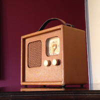 Bluetooth 1940s Travler Portable Rechargeable Suitcase Radio
