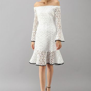 Dancing Snowflake Crochet Off-shoulder Frill Hem Dress in White